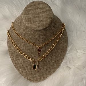 NEW Gold tone lock and key necklace
